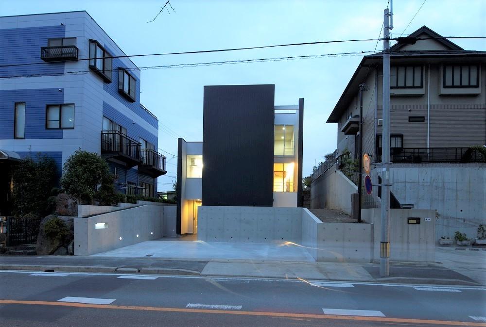外観事例:外観夜景(名古屋市T邸~幾つもの外部空間を内包する家)