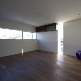 名古屋市T邸~幾つもの外部空間を内包する家 (2階ベッドルーム)