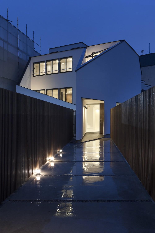 建物探訪で放送 目黒のスキップフロアの家 ハコノオウチ13 (外観夜景)