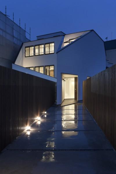 外観夜景 (建物探訪で放送 目黒のスキップフロアの家 ハコノオウチ13)
