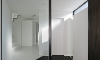建物探訪で放送 目黒のスキップフロアの家 ハコノオウチ13 (主玄関と副玄関)