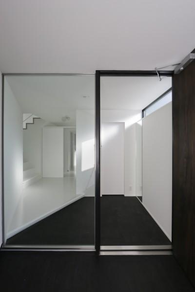 主玄関と副玄関 (建物探訪で放送 目黒のスキップフロアの家 ハコノオウチ13)
