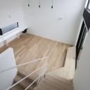 建物探訪で放送 目黒のスキップフロアの家 ハコノオウチ13の写真 子供室から見下ろす
