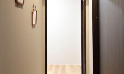 ギャラリースペース~仕事部屋|自分らしい暮らしを形にした中古マンションリノベーション