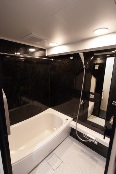 バスルーム (自分らしい暮らしを形にした中古マンションリノベーション)