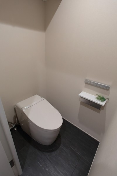トイレ (自分らしい暮らしを形にした中古マンションリノベーション)