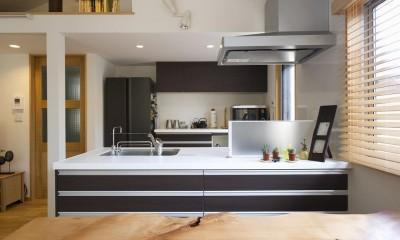 緑と風があふれる家 (キッチン)