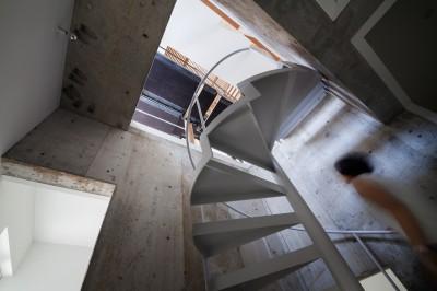 内部階段 (白山戸建てリノベーションPJ)