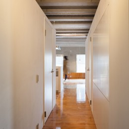 302号室 (廊下)