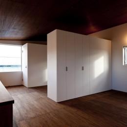 n house (子供スペースと可動家具)