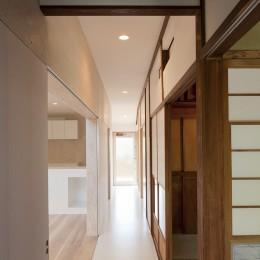 綾瀬の住宅 (廊下)