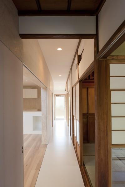 廊下 (綾瀬の住宅)