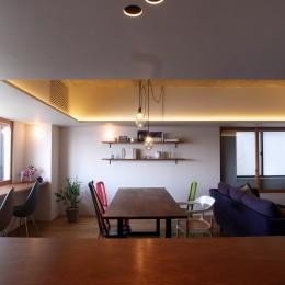 ita house (ダイニング)