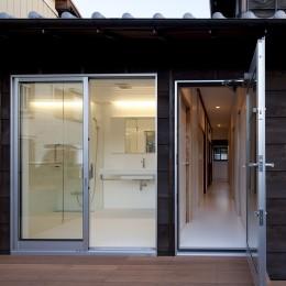 綾瀬の住宅 (洗面・浴室)