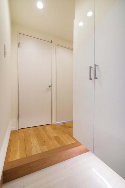 玄関 (リノベ+リノベで好みのお部屋に)