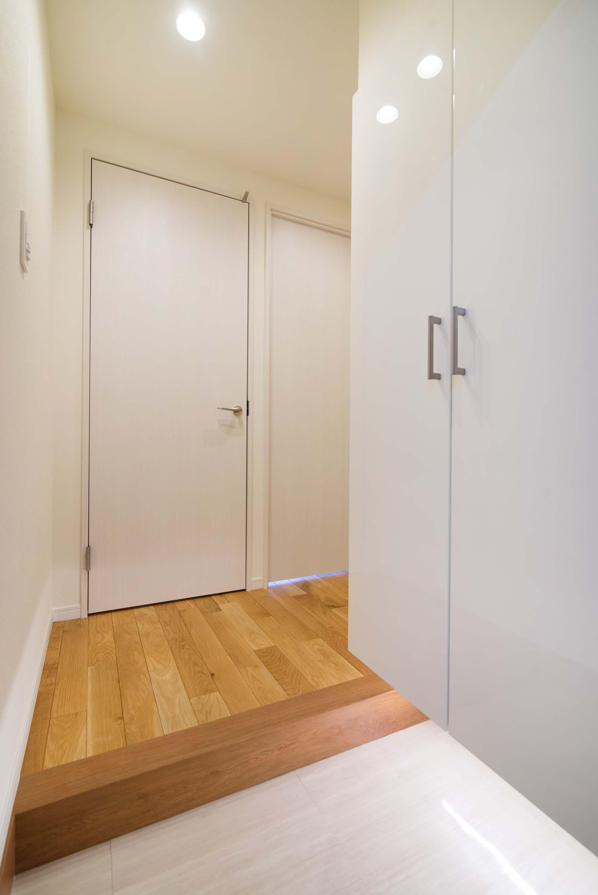 玄関事例:玄関(リノベ+リノベで好みのお部屋に)