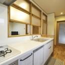 ナチュラルなレトロカフェスタイルの写真 キッチン2