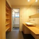 八尾の家(コンセプトハウス)の写真 造作洗面・在来浴室