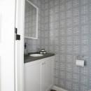 K邸の写真 壁紙がシンプル可愛いトイレ