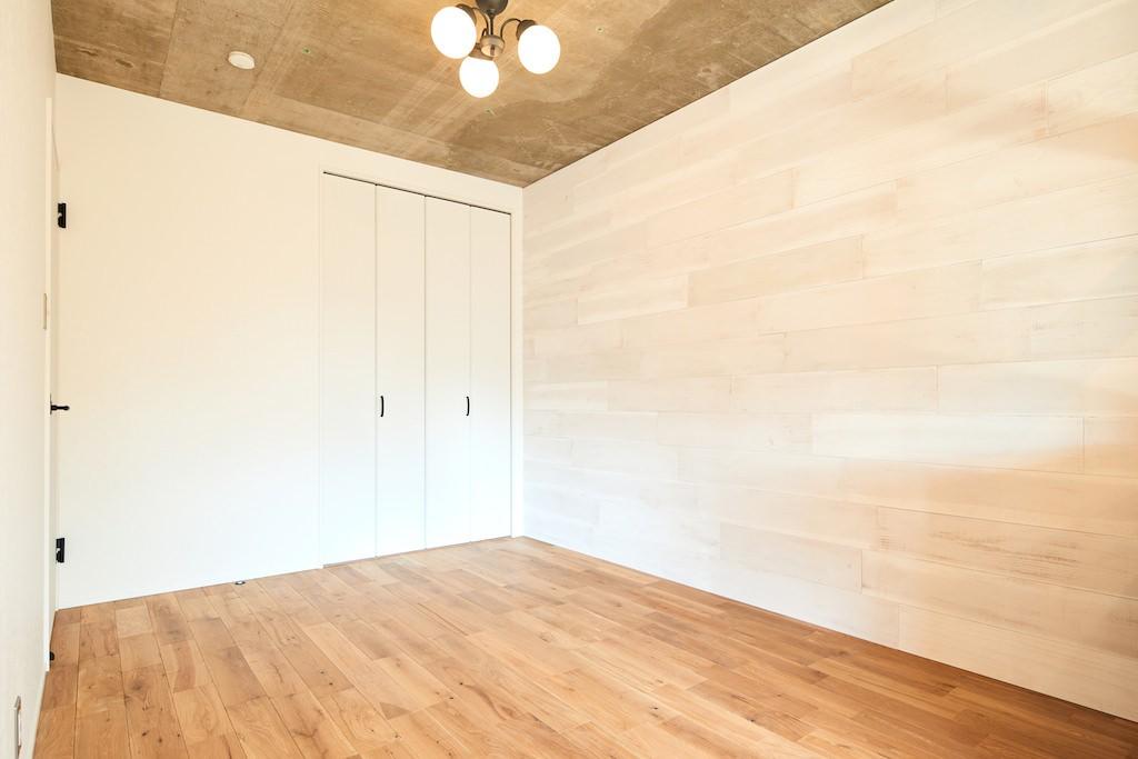 ベッドルーム事例:洋室(開放的で心地よい空間)