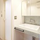 開放的で心地よい空間の写真 洗面