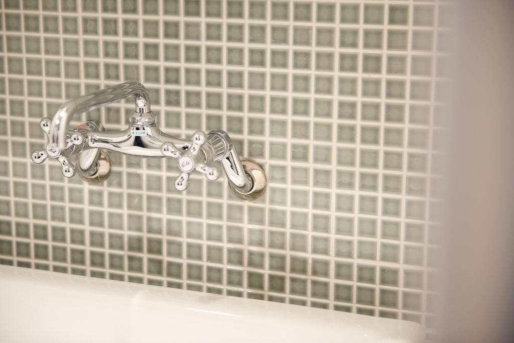 バス/トイレ事例:洗面(無骨さの中にもつながりと優しさを)