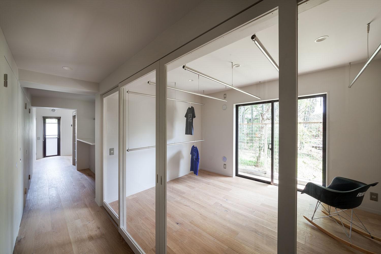 収納事例:クローゼットルーム(105号室)