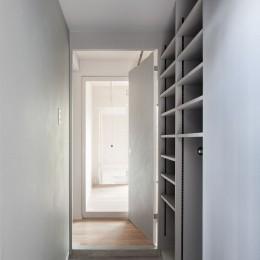 105号室 (玄関)
