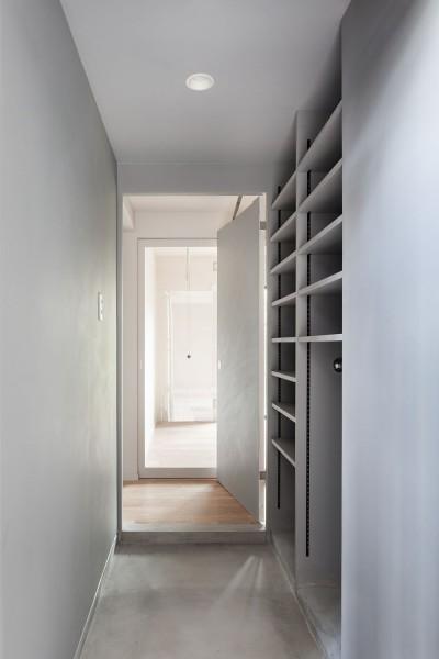 玄関 (105号室)