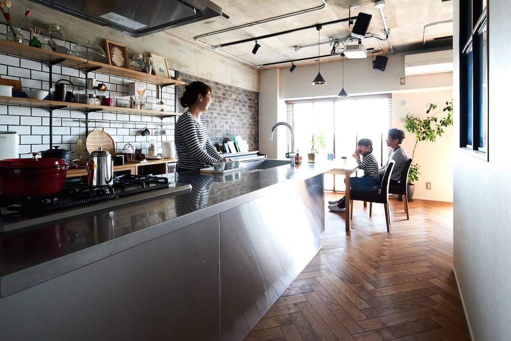 キッチン事例:キッチン(こだわり溢れるインダストリアルな空間)