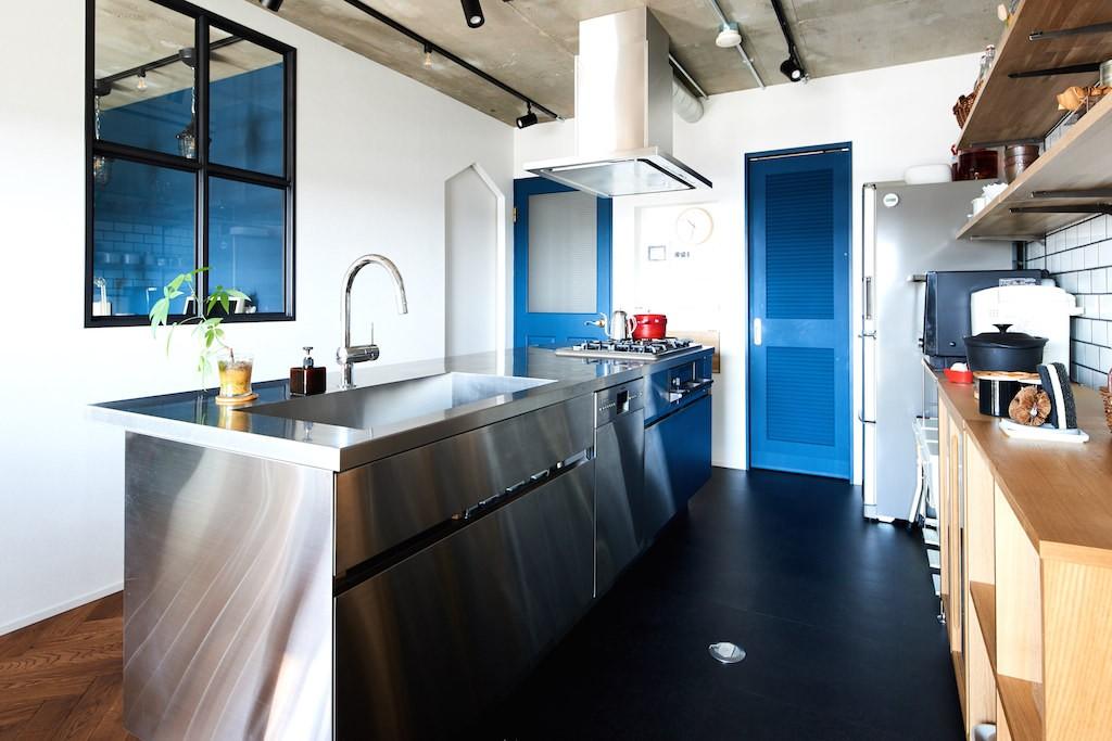 リビングダイニング事例:キッチン(こだわり溢れるインダストリアルな空間)