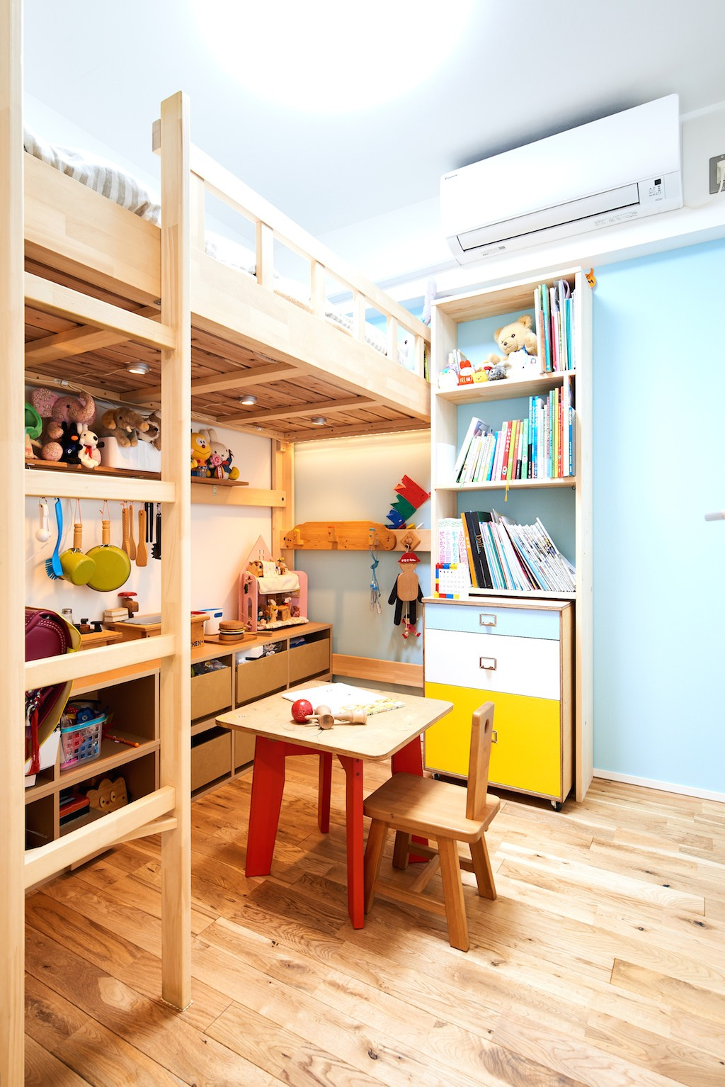 子供部屋事例:キッズルーム(インダストリアル素材に囲まれ暮らす)
