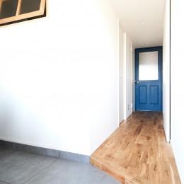 こだわり溢れるインダストリアルな空間 (廊下)