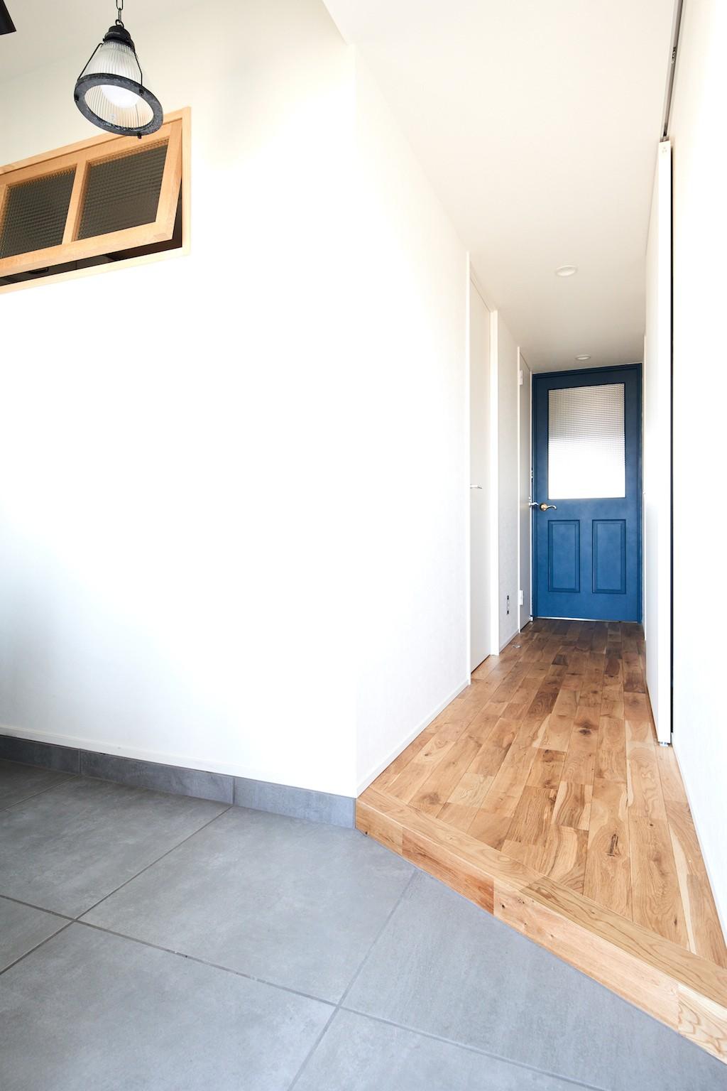 玄関事例:廊下(こだわり溢れるインダストリアルな空間)