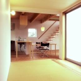 東松山のL型ボックス/Moさんの家 (縁なし畳の予備室としての畳スペース)