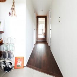 シンプルに上質なお家 (廊下)