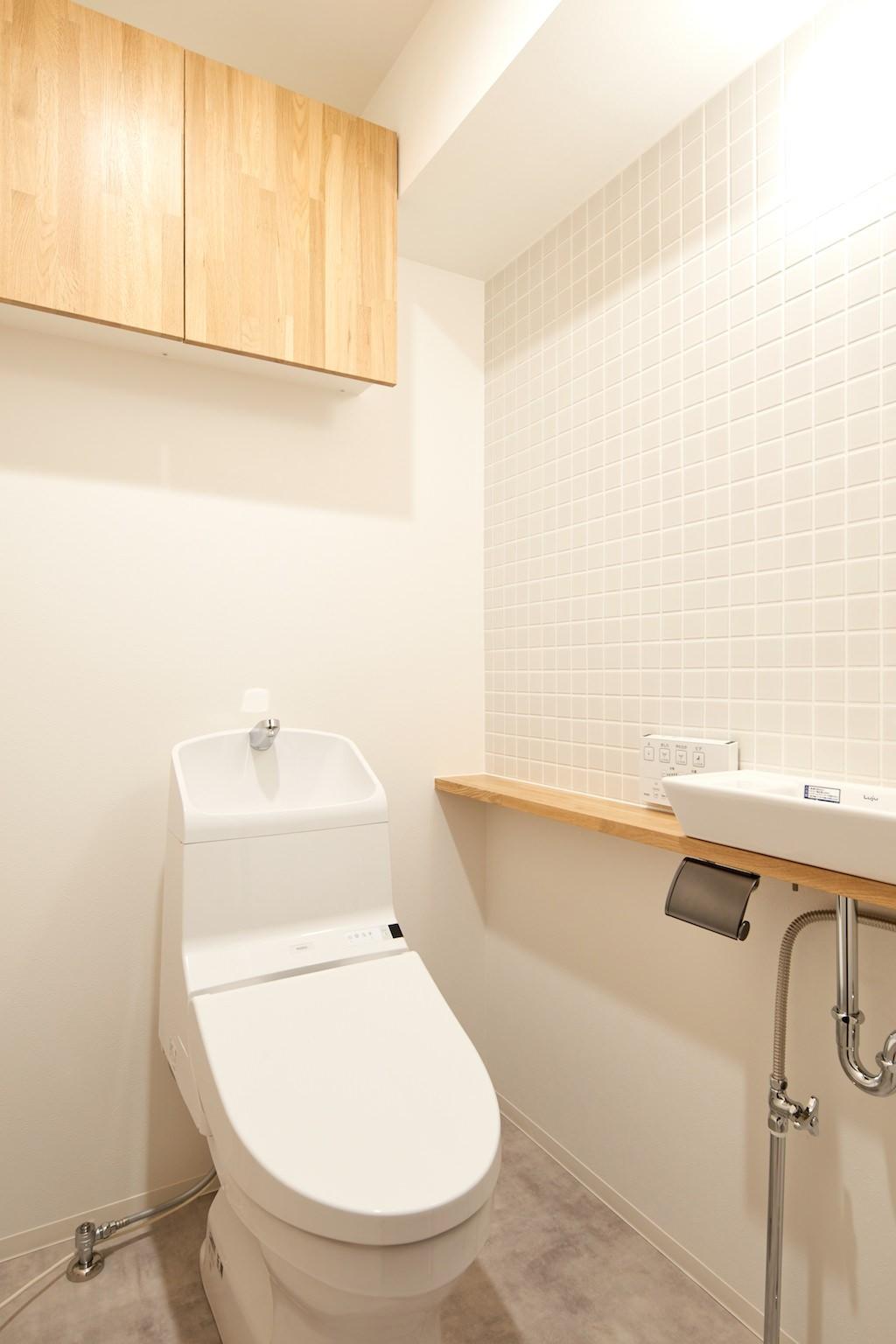 バス/トイレ事例:トイレ(爽やかで落ち着いた空間)