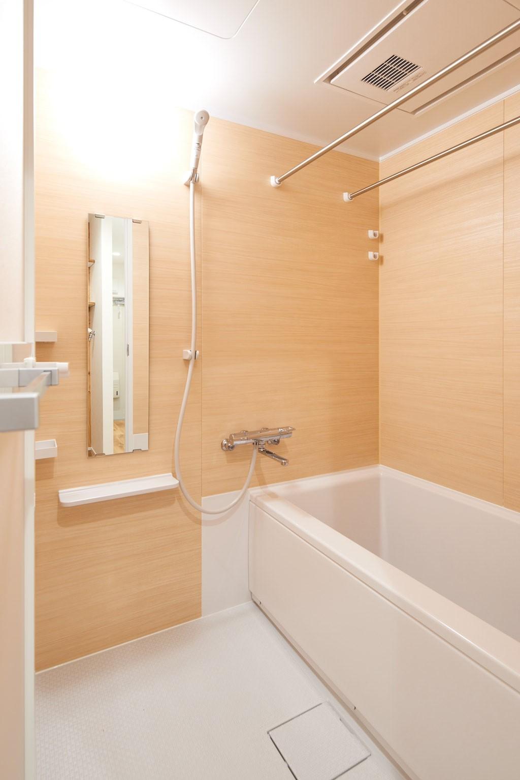 バス/トイレ事例:お風呂(木に囲まれる上質な住まい)