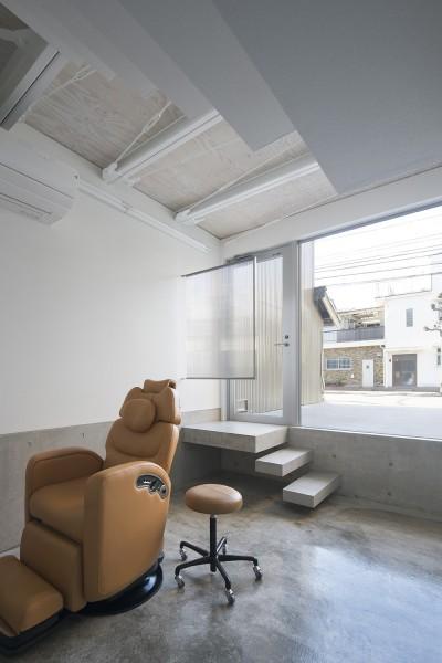 1階ラウンジ (徳島の住宅)