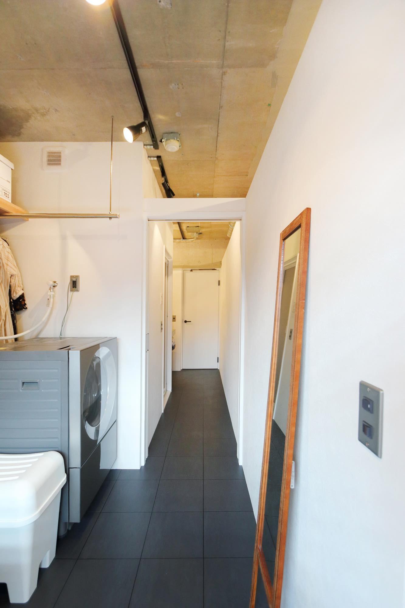 収納事例:洗面・WIC(泊まれる本屋)