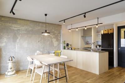 ダイニングキッチン (K邸-組み合わせを楽しむ。間取りの知恵と暮らしの工夫)