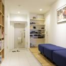 K邸-組み合わせを楽しむ。間取りの知恵と暮らしの工夫の写真 玄関廊下