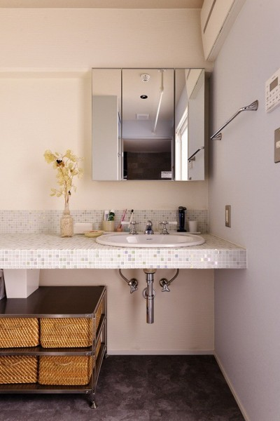 洗面スペース (時の流れを感じ、これからを楽しむ)