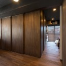カグ ノ モリの写真 ワンルームのリビングに建具で個室をつくります。