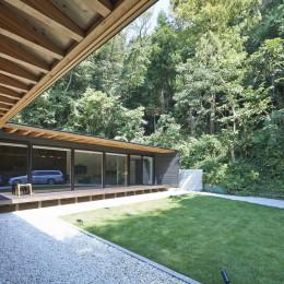 稲村ヶ崎の住宅 (中庭の眺め)