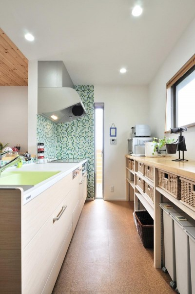キッチン (最小限のリフォームで二世帯にリノベーション)