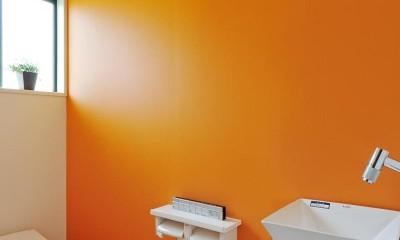 最小限のリフォームで二世帯にリノベーション (トイレ)