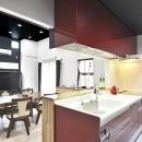 明るく風が通るリビング 長居したくなる空間への写真 キッチン~リビング
