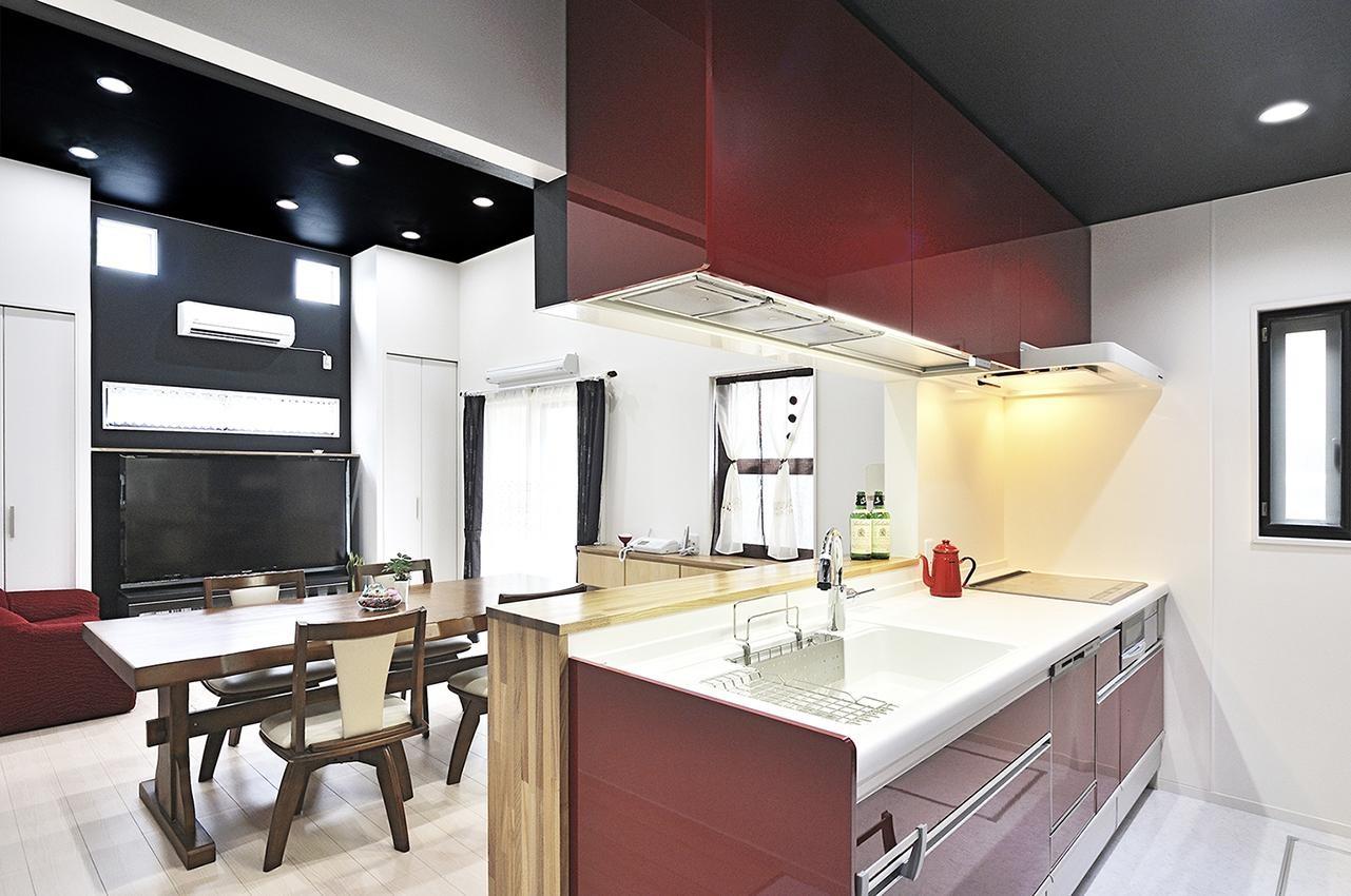 キッチン事例:キッチン~リビング(明るく風が通るリビング 長居したくなる空間へ)