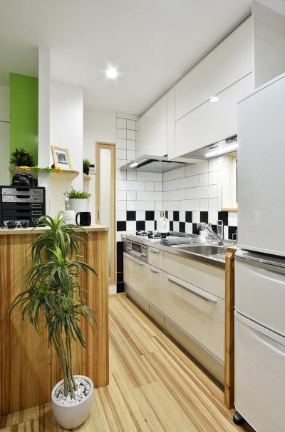 12坪のタイムスリップ (シャープにまとまったキッチン)